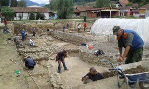 Nastavak radova na arheološkim istraživanjim na kolalitetu Zadružni dom u Skelanima 2015 (1)