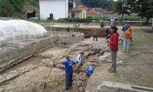 Nastavak radova na arheološkim istraživanjim na kolalitetu Zadružni dom u Skelanima 2015 (11)