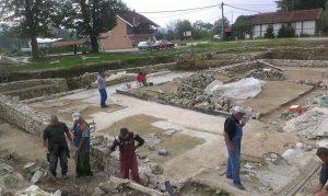 Nastavak radova na arheološkim istraživanjim na kolalitetu Zadružni dom u Skelanima 2015 (2)