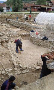 Nastavak radova na arheološkim istraživanjim na kolalitetu Zadružni dom u Skelanima 2015 (4)