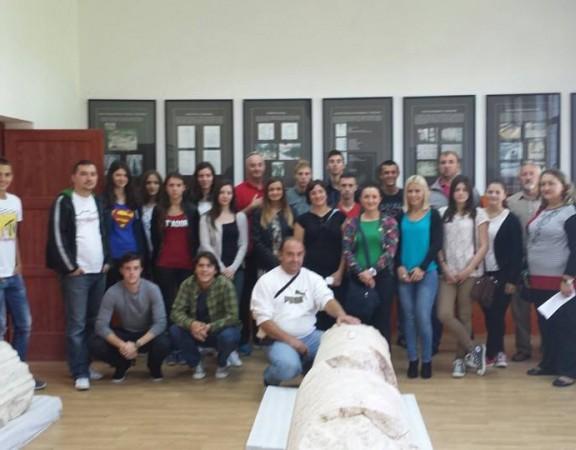 organizovana posjeta ekskurzije iz Jajca muzeju u Crvici
