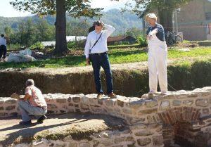 supevizor projekta istraživanja u Skelanima dr Slaviša Perić ,Arheološki institut Beograd i mr Milica Kotur šef tima za konervaciju 2014